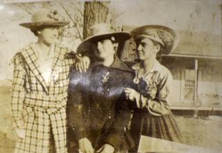 Threegirls